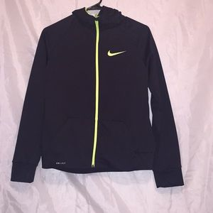 Nike dri-fit zip up jacket w/hood! Boys XL 🖤